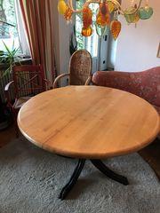 Domicil Tisch Vollholz mit runder