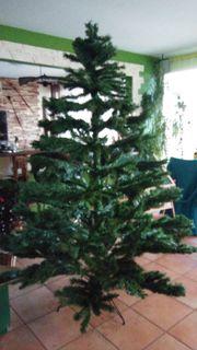 Weihnachtsbaum aus Kunststoff