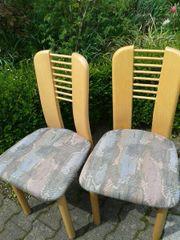 2 neuwertige Stühle