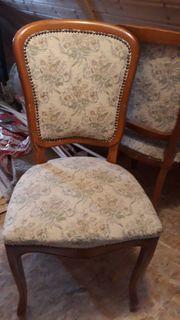 Vier sehr schöne Stühle