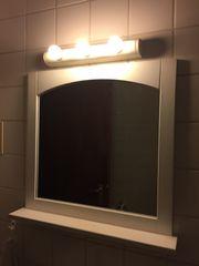 Schöner Spiegel fürs Badezimmer mit