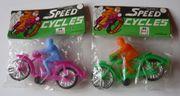 2 Plastic Speed Cycles Motorrad