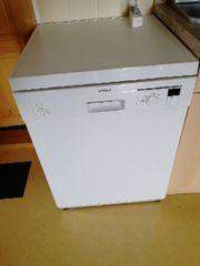 Freistehende Spülmaschine