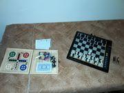 Schachcomputer und ein Spiel für