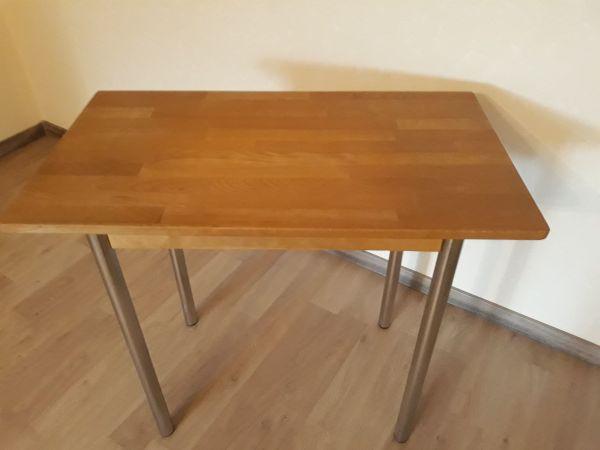 Tisch - Nürnberg Schweinau - Ein Tisch für eine kleine Küche in gutem Zustand. Die Tischplatte ist aus Buchholz ,lackiert. Tischbeine sind aus Metall, rostfrei.Länge: 80cm., Breite: 45cm., Höhe: 72cm. - Nürnberg Schweinau
