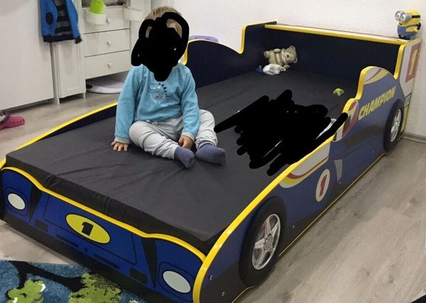 kinder auto bett in elztal betten kaufen und verkaufen ber private kleinanzeigen. Black Bedroom Furniture Sets. Home Design Ideas