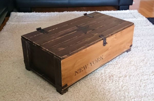 kiste als couchtisch. Black Bedroom Furniture Sets. Home Design Ideas