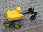 Sitzbagger gelb