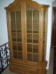 Bücherschrank, Glasvitrine