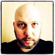 Schlagzeuger mit Proberaum sucht Bassist-