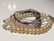Armbänder Konvolut 5 Sück Perlen