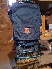 Trekking Rucksack mit Alugestell und