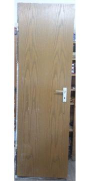 Zimmertür mit Metallzarge