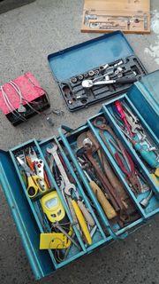 diverses Werkzeug plus