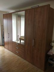 Kleiderschrank 6-türig mit Spiegel