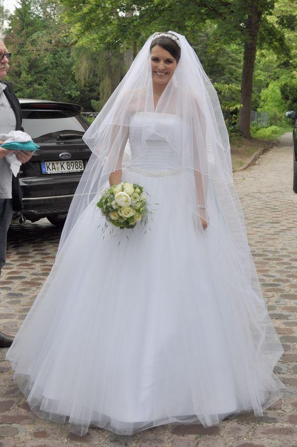 Hochzeitskleid Kleemeier Prinzessin weiß Tüll Größe 38 in Karlsruhe ...