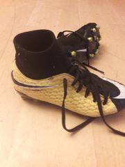 Nike Hypervenom 35,