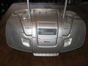 Tragbarer Kassetten- und Radioplayer