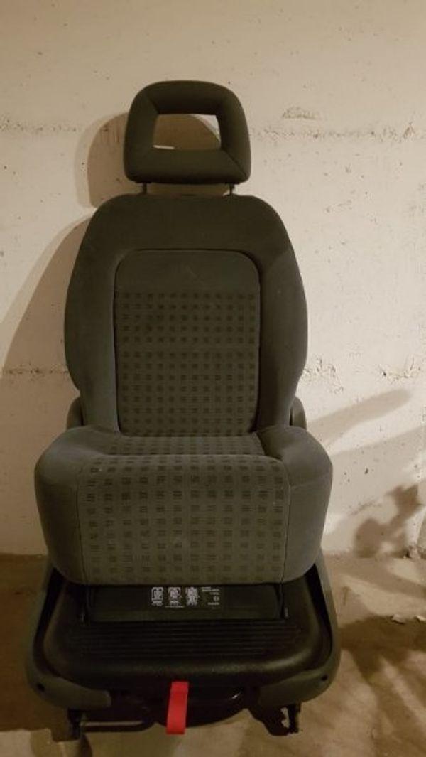 Auto Sitze - Mosbach - Hallo habe hier gut erhaltene 3 Sitze. Alle drei im guten zustand. Keine risse keine flecken. Eins davon ist normales sitz und zwei Kindersitze. Die kinder sitze kann man auch vor ziehen als normale sitz (siehe bilder). Sitze sind für VW schara - Mosbach