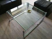 Glastisch mit Chromgestell
