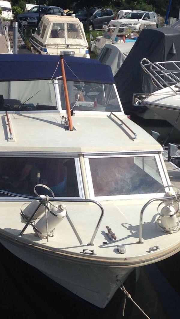 Windy 24 Mit Bootsgarage Zu Verkaufen Oder Zu Vermieten Am Bodensee
