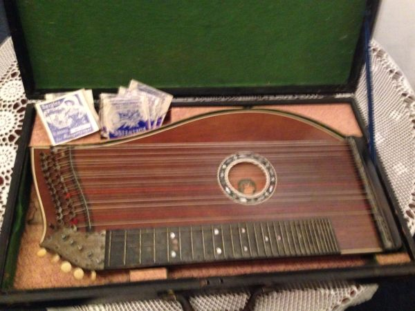 alte Konzert-Zither » Streich- und Zupfinstrumente