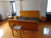 Art Deco Bett und Schrank