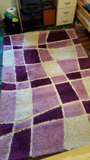Teppiche lila weiß