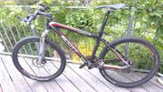 Geniales SCOTT Scale 10 Carbon-Mountainbike