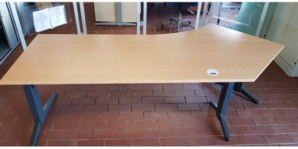 Schreibtisch in Freiform Links