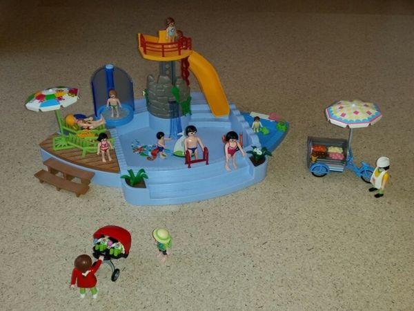 playmobil 4858 freibad m rutsche und dusche sowie zubeh r in lauf spielzeug lego playmobil. Black Bedroom Furniture Sets. Home Design Ideas