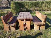 Rustikale Sitzbänken Tisch