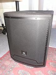 2 JBL Boxen SRX 700