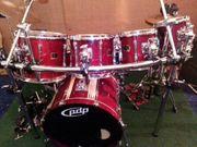 Großes YAMAHA STAGE CUSTOM Schlagzeug