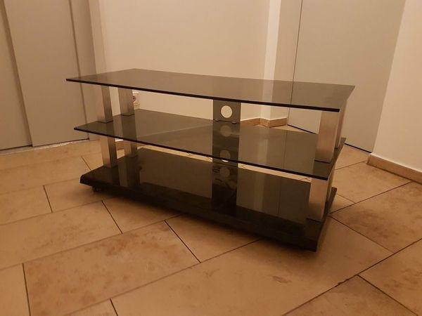 Fernsehtisch mit rollen, 3 Glasplatten, 2 Jahre alt , hochwertiges ...