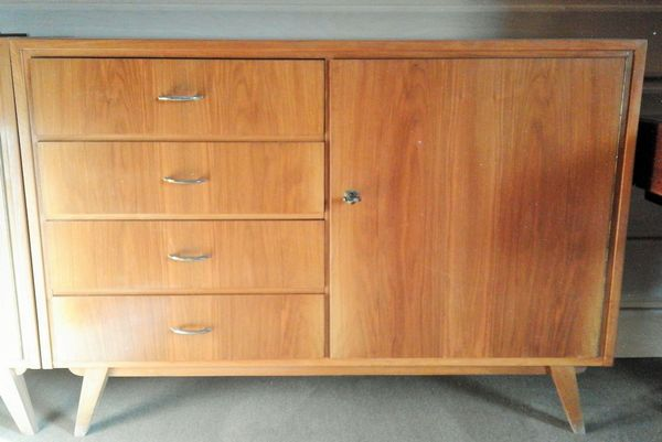 sideboard massiv kaufen sideboard massiv gebraucht. Black Bedroom Furniture Sets. Home Design Ideas