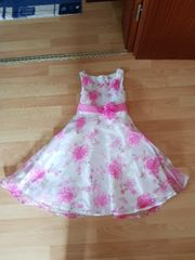 Mädchenkleid in 128
