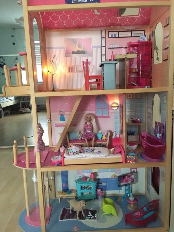 puppenhaus mit aufzug beleuchtet in pfungstadt kaufen und verkaufen ber private kleinanzeigen. Black Bedroom Furniture Sets. Home Design Ideas