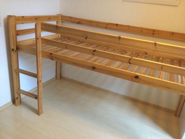 Etagenbett Flexa Absturzsicherung : Flexa hochbett frieda dänisches bettenlager kiefer natur lackiert in