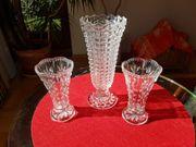 3 Vasen mind 60 Jahre