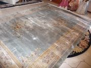 Orginaler neuwertiger chinesischer Seiden-Teppich mit Zertifikat