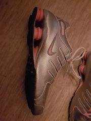 1 Paar Nike Shoxx Schuhe