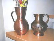 2 Vasen aus