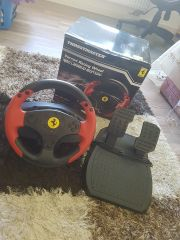 THRUSTMASTER Ferrari Racing