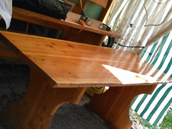 massive Gartentisch - Gruppe - Heidelberg Kirchheim - Biete hier einen Tisch 200cm lang, 66cm breit,80 cm hoch und zwei Bänke , je 200 cm lang, 98cm Gesamthöhe, 46cm, Sitzhöhe, Stellfläche 63cm tief.Es ist eine Schreiner arbeit , massives Holz, Anschauen lohnt sich ! Keine E- Mails - Heidelberg Kirchheim