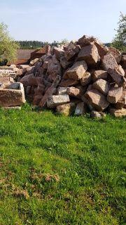 Sandsteine und Dachziegeln