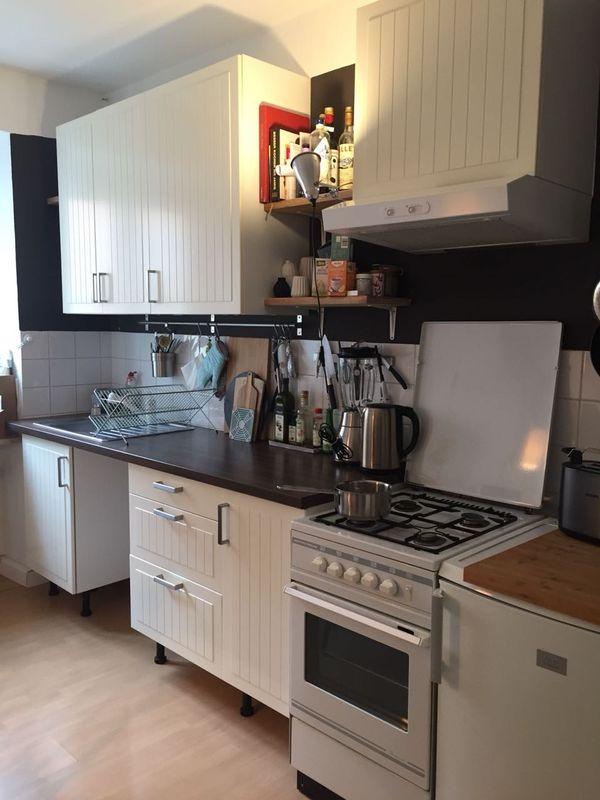 Ikea Küche mit Kühlschrank, Gasherd, weiß, guter Zustand in München ...