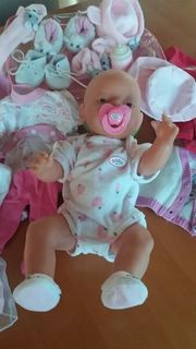 BABY BORN mit VIEL Kleidung
