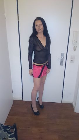 Mature nylon pantyhose tease