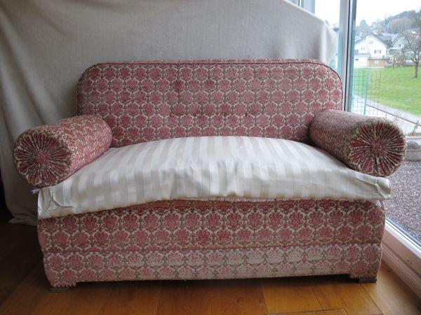 sehr charmantes antikes sofa vintage in frastanz. Black Bedroom Furniture Sets. Home Design Ideas